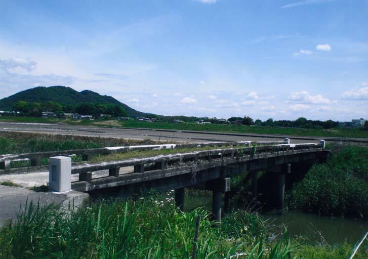 風薫るみかも山とひえだ橋(佐野市 越名町)