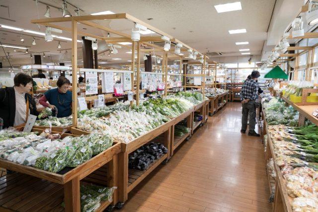 道の駅どまんなかたぬま 農産物直売所「朝採り館」