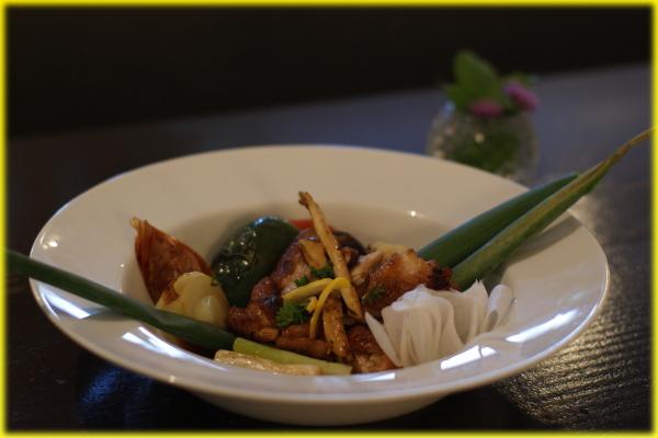 メインディッシュ 鶏のグリル焼き