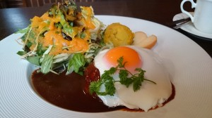 美栄卵のせハンバーグ