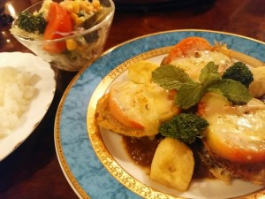 麻希 スネ肉チーズ焼き